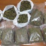 Fratelli sorpresi in casa con otto chili di marijuana