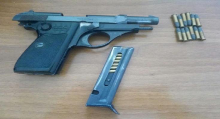 La Credenza Ristorante Marino : Pistola clandestina nella credenza di un ristorante arrestata