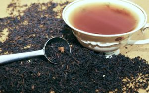 Il tè nero: un'arma utile micidiale per dimagrire. Un prezioso ausilio delle nostre diete contro il sovrappeso