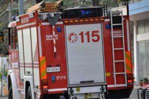 Autobus in fiamme sull'A2, nessun ferito