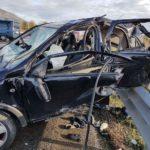 Scontro tra furgone e auto sulla Statale 106, muore una giovane donna