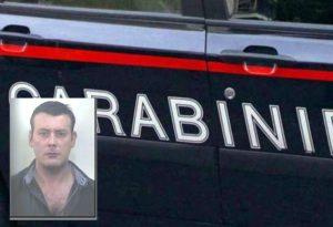 Latitante pluripregiudicato arrestato dai carabinieri, era al mercato con i genitori