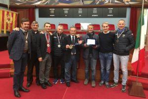 Catanzaro – Podisti della Zarapoti alla maratona di New York premiati al comune