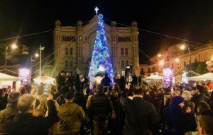 Reggio Calabria, in tanti alla festa dell'accensione dell'Albero di Luci in Piazza Duomo
