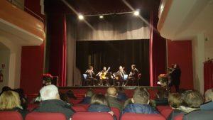 Chiaravalle Centrale, grandi applausi per il concerto di Natale a teatro