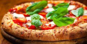 L'arte del pizzaiolo napoletano diventa patrimonio Unesco e rafforza il Made in Italy 100%