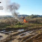 Stavano bruciando rifiuti speciali, tre denunce
