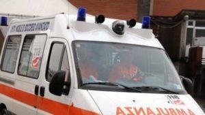 Incidente stradale sulla Statale 106, due feriti