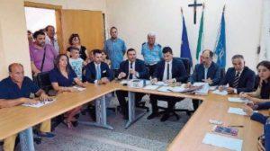 Scuola primaria di Isca senza pompe di calore, l'Amministrazione comunale risponde al Codacons