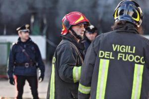 Fornelli del gas lasciati aperti, anziana soccorsa dai carabinieri