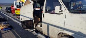 """Tamponamento tra un autocarro e un minibus sulla Ss 280 """"Due Mari"""", sedici feriti"""