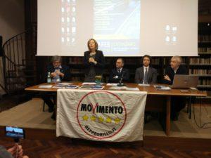 """Silvia Vono (5 Stelle) a Catanzaro chiede """"un voto contro la malapolitica"""""""
