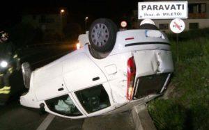 Auto si ribalta e il conducente finisce in ospedale