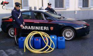 Rubano gasolio da mezzi di una ditta di movimento terra e si danno alla fuga in auto, due arresti
