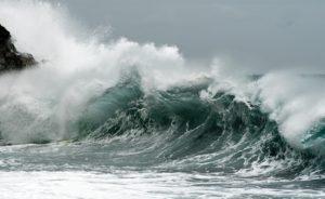 Maltempo – Venti di burrasca con mareggiate sulla Calabria jonica