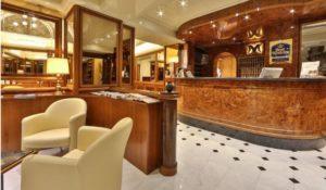 Truffa gli hotel di lusso, denunciato 21enne di Catanzaro