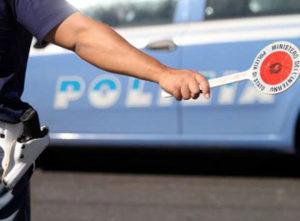Autobus poco sicuro, la Polizia blocca una gita scolastica