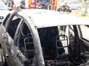 Incendiata l'auto di un consigliere comunale