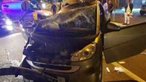 Perde il controllo dell'auto e si ribalta, conducente finisce in ospedale