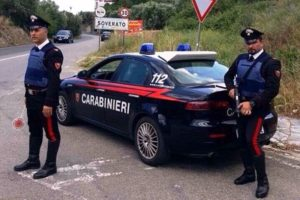 Armi ed esplosivo ritrovati dai carabinieri in un casolare a Chiaravalle, avviate le indagini
