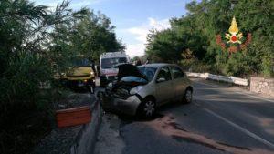 Auto perde controllo e sbatte contro il guardrail sulla Statale 106 tra Isca e Badolato, ferita la conducente