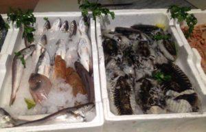 Asp Catanzaro: controlli in 18 pescherie a Lamezia Terme, rilevate 15 non conformità
