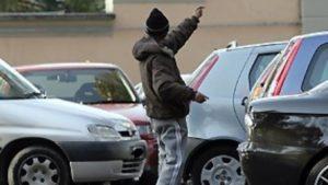Se il parcheggiatore abusivo chiede i soldi è estorsione