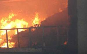 Incendiano abitazione e restano ustionati, due giovani arrestati