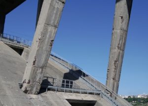 Pilastri del ponte Morandi di Catanzaro fotografati con un drone