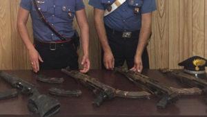 Armi clandestine nascoste in un terreno, 50enne arrestato