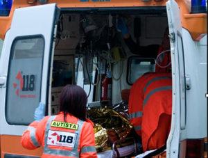 Turista travolto e ucciso mentre attraversa la Statale 18