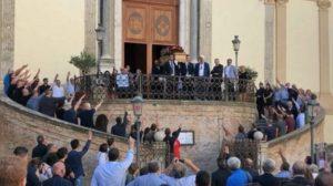 Catanzaro – Saluto fascista al funerale di Giardini, identificate 10 persone