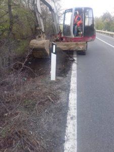 Anas – In corso interventi migliorativi della sede stradale della 106 Jonica tra Davoli e Guardavalle