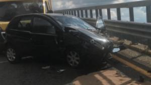 Auto sbanda e finisce contro guardrail sulla Ss 107, morto il conducente