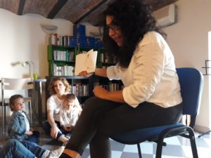 """Tutti in libreria alla Scuola dell'Infanzia """"Maria Ausiliatrice"""" di Soverato"""