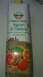 Succo di soli agrumi calabresi in vendita sugli scaffali della Lidl Italia