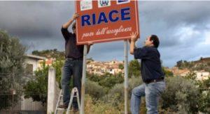 Il Viminale contro il Modello Riace, migranti da trasferire altrove