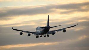 Studentessa di 14 anni muore su un volo Parigi-Pechino durante una gita scolastica, atterraggio di emergenza