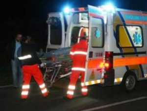 Scontro tra auto sulla Statale 107, muore 84enne