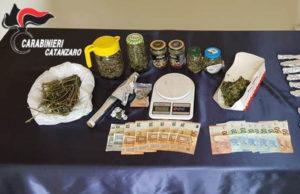 Nascondevano droga in camera da letto, arrestati due fratelli di Girifalco