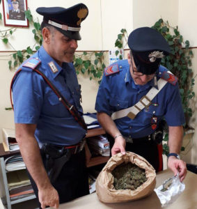 Trovato con un 1,5 Kg di marijuana, 28enne ai domiciliari