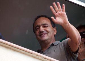 Solidarietà per Mimmo Lucano sindaco umanitario di Riace ma anche per la Magistratura di Locri