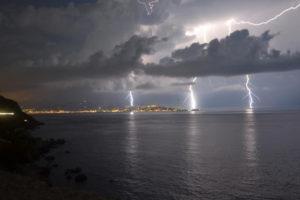 """Forte maltempo in Calabria, allerta """"Arancione"""" della Protezione Civile"""