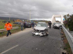 Scontro frontale tra due auto sulla Ss 106 tra Badolato e Santa Caterina Jonio