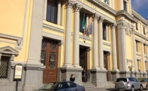 """Inchiesta """"Farmabusiness"""", chiesto il rinvio a giudizio per 24 persone: c'è anche Tallini"""