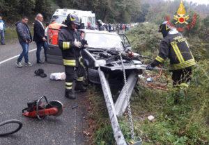 Si schianta contro il guardrail, 77enne trasportato con elisoccorso a Catanzaro