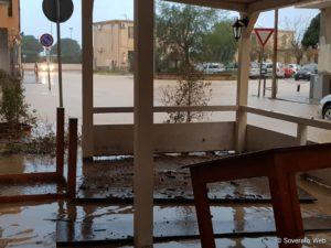 FOTO NEWS | Nubifragio nella notte a Soverato, allagamenti