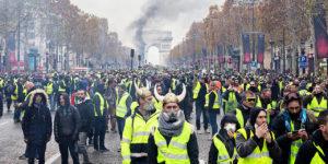 Rivolte popolari e voti contro Bruxelles
