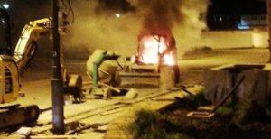 Escavatore in fiamme a Roccella Jonica, matrice dolosa
