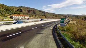 """Proseguono lavori di pavimentazione della Ss 280 """"Dei Due Mari"""" a Catanzaro"""